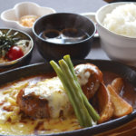 【松本市のお得なランチ情報】からあげ無料食べ放題!とにかくお得な、噂の『松本ゴールデンバーグ(松本市笹賀)』