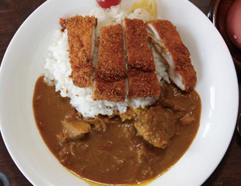 松本市 老舗洋食屋さんのカツカレー