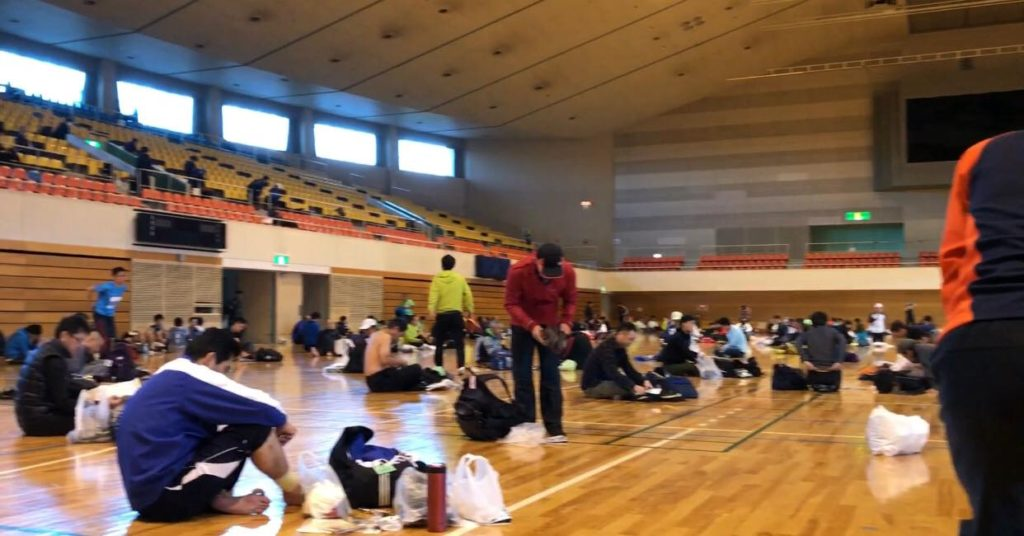 松本マラソン スタート前 早めに着替えて準備