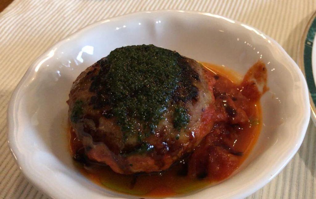 松本市 フレンチ レストラン ラトリエスズキのランチコースのハンバーグ