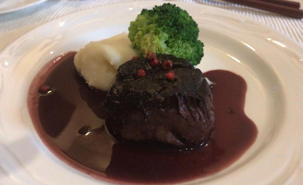 松本市 フレンチ レストラン ラトリエスズキのランチコースの鹿肉