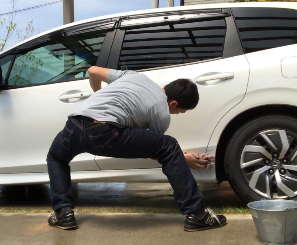 ダイエットにおすすめ!洗車でトレーニング