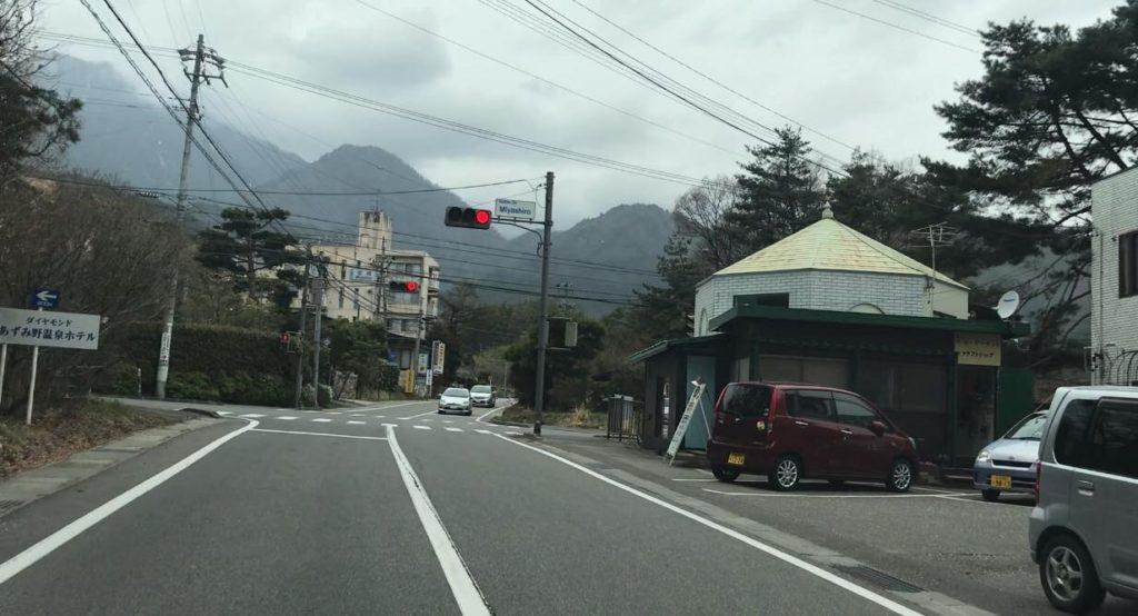安曇野市 穂高 山麓線 宮城の交差点に「丸一らあめん」はあります。