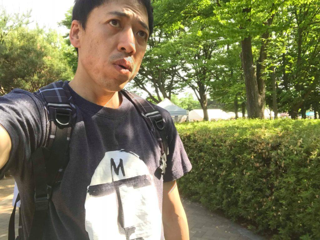 真顔Tシャツでクラフトフェアに行く