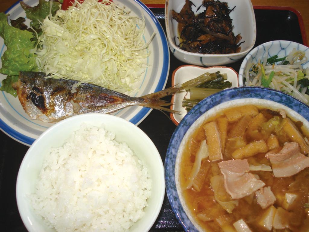 ハルピン食堂の定食