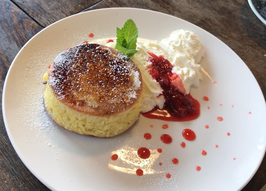 実家カフェのホットケーキ