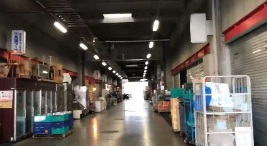 松本市の市場内にある「まんぷく食堂」
