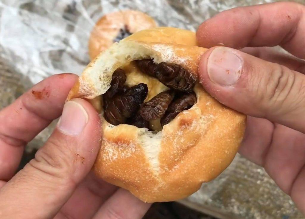 蚕のさなぎパン