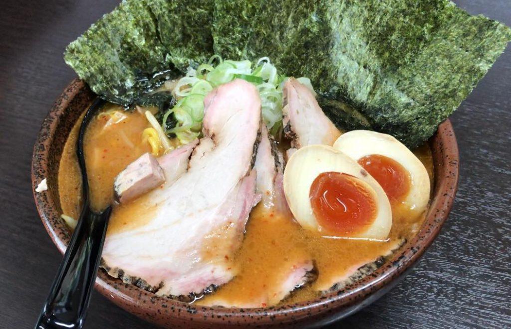 松本市のラーメン店 真武咲弥の炙り辛味噌特製らーめん