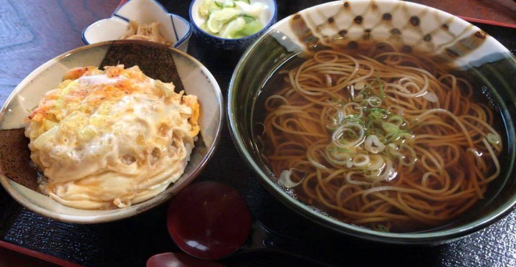 松本市 そば茶屋 松花のかき揚げ丼とそばのセット