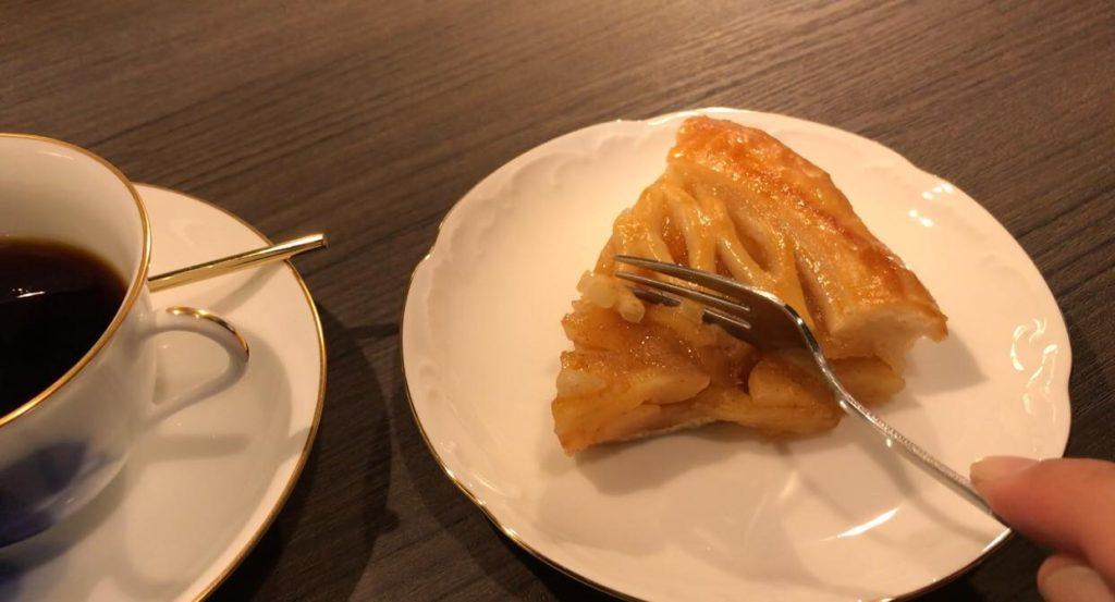 みのる珈琲店のアップルパイ