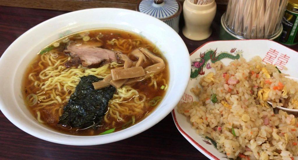 松本市 ラーメン 食堂 わかまつの半チャンラーメンセット