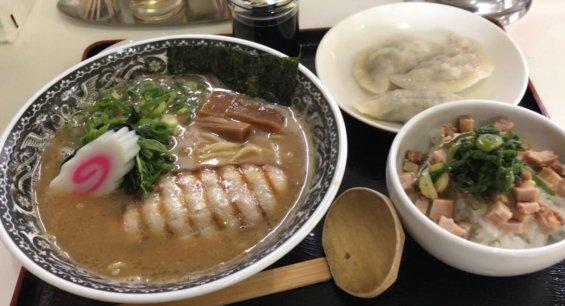 麺肴ひづき あさのやの濃厚魚介拉麺