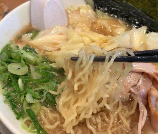 熟成醤油きゃべとんの麺