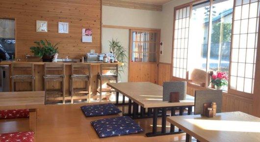 松本市 そば屋 兎々屋の店内
