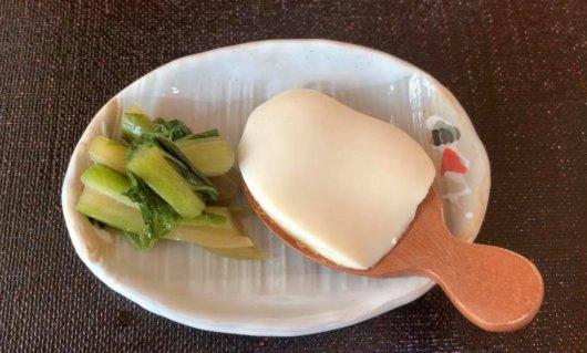 松本市 そば屋 兎々屋の手作り絹ごし豆腐