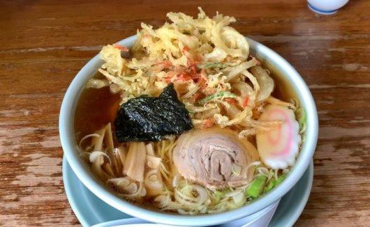 松本市 食堂 仲よしの天ぷらラーメン