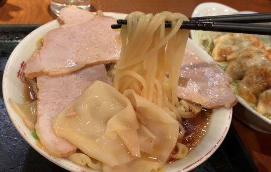 飯田市のラーメン 上海楼の麺