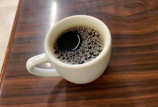 松本市 食堂 高橋でコーヒー