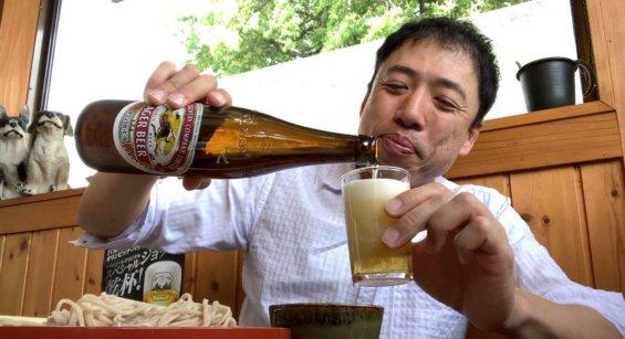 からさわ亭でビール