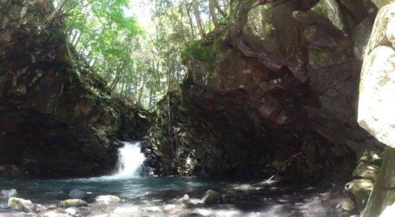 番所大滝の奥 千間淵